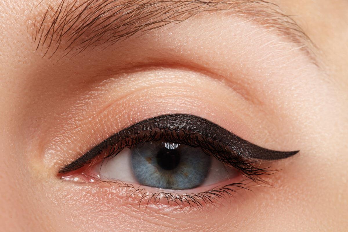 simpler-eyeliner
