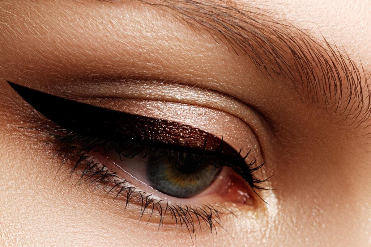 natuerlicher-brauner-eyeliner